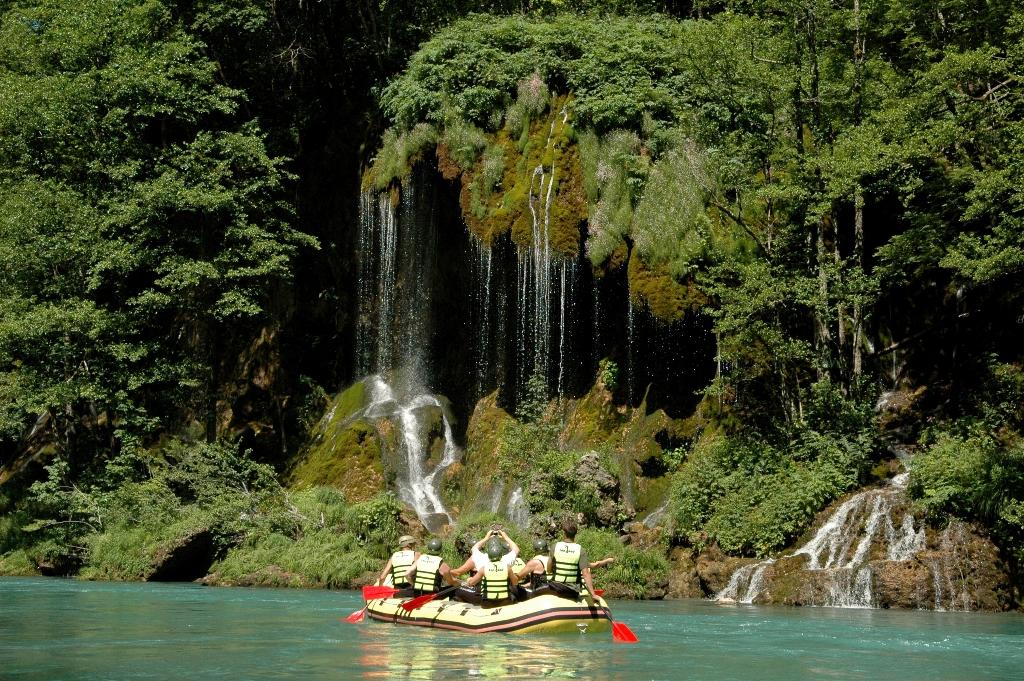 Rafting River Tara